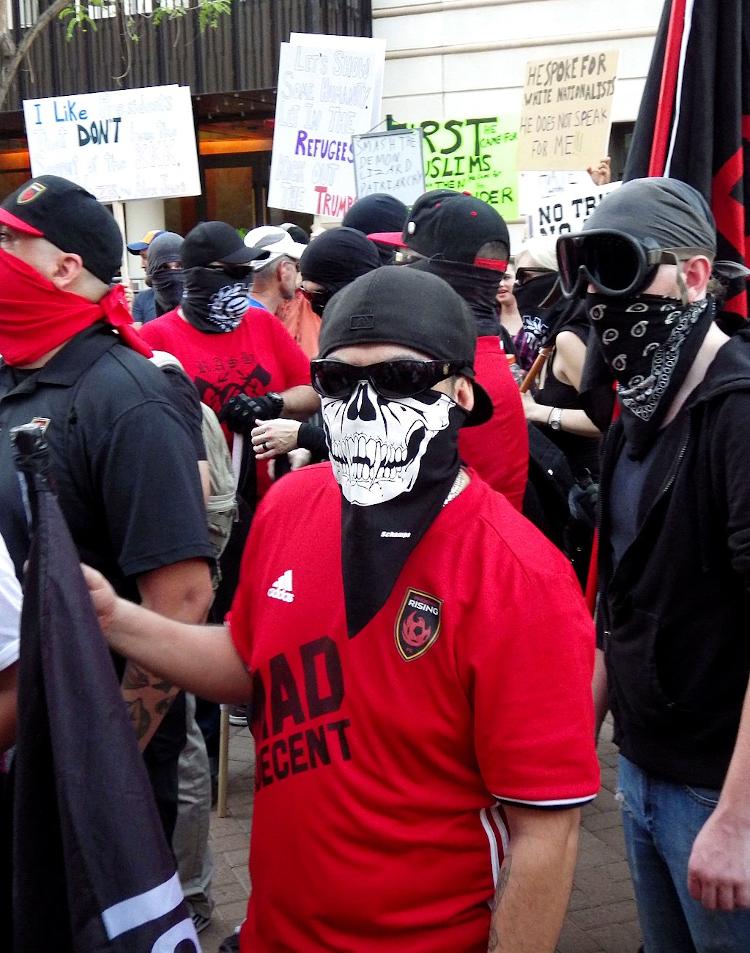 antifa_demonstranter_fin